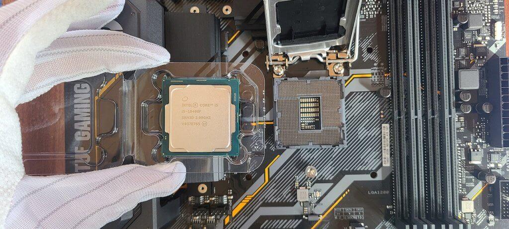 CPU取付の参考画像